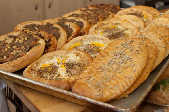 Momo's Groceteria & Bakery