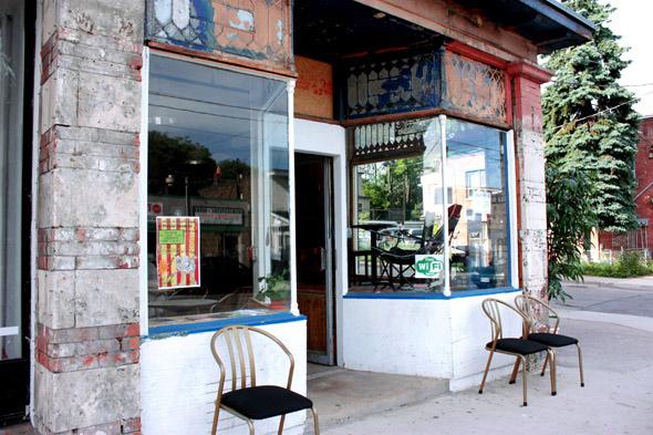 Sideshow Cafe
