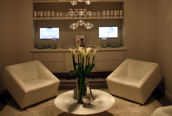 20091130_dove-lounge.jpg