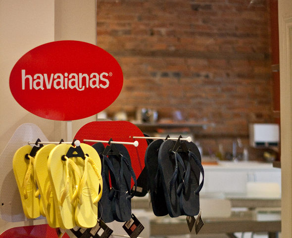 20100201_10Spot-havaianas.jpg