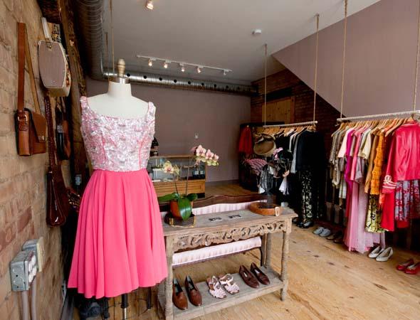 New vintage boutique for dundas west - Boutique vintage londres ...