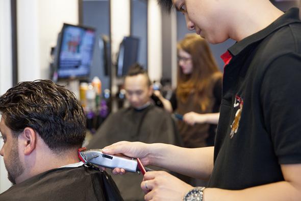 Man Cave Barber Bondi Junction : Mancave barbers lounge