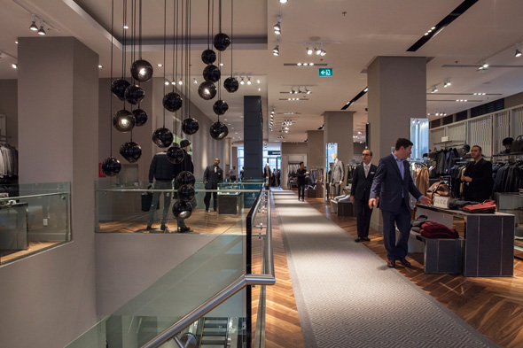 renfrew men 2 reviews of holt renfrew men this is a dedicated store for men's wear by holt renfrew i kind of find it odd that they still carry a lot of items in the original flagship location so if one wants to see all they have to offer for men's clothing.