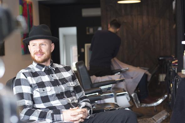 1 love t o co founder opens modern barber shop. Black Bedroom Furniture Sets. Home Design Ideas