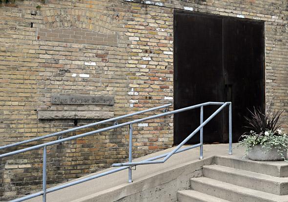 Olga Korper Gallery Exterior