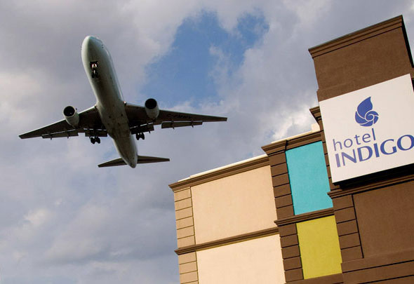 airport hotels toronto