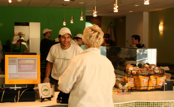 20070928_saladspa-counter.jpg