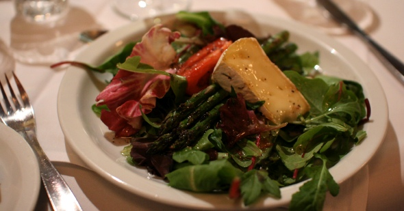 Brie and asparagus salad