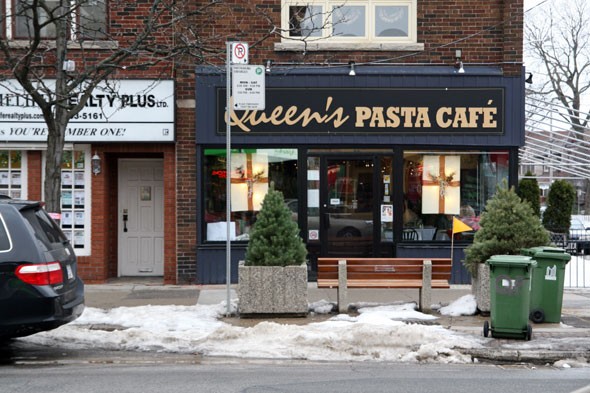Queen's Pasta Cafe