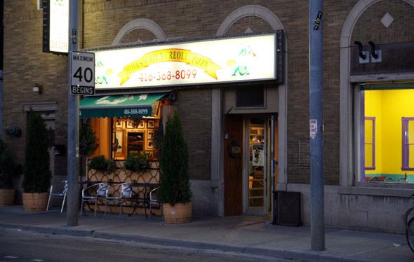 Peter's Cajun Creole Pizza Toronto