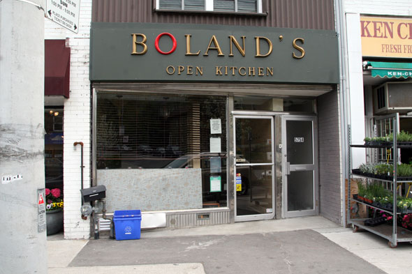Boland 39 s open kitchen for Kitchen 482 kensington