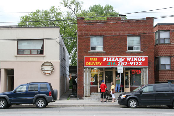 Pizza Wings Toronto