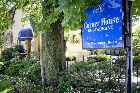 image from http://www.blogto.com/restaurants/corner-house-toronto