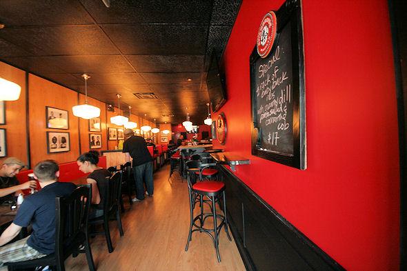 Mugshot Tavern Toronto