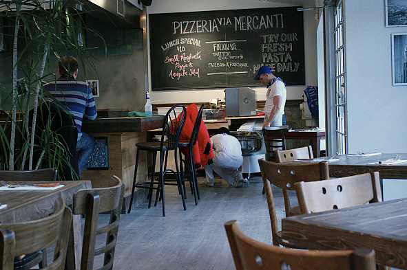 Pizzeria Via Mercanti