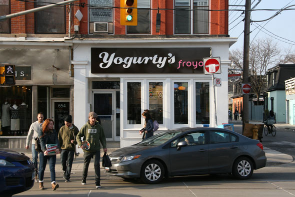 Yogurtys Queen West