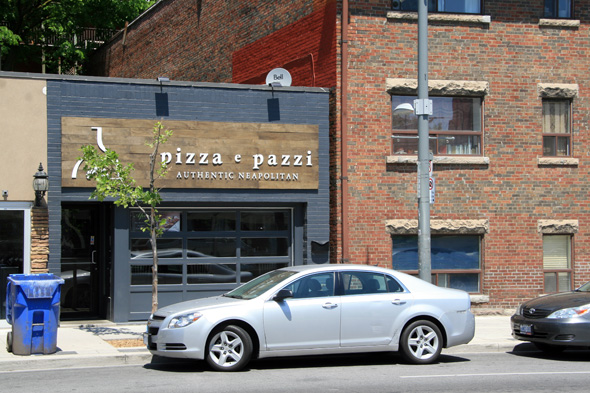 Pizza e Pazzi 672 st. clair west