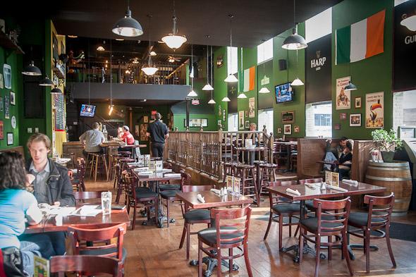 An Sibin Pub Toronto