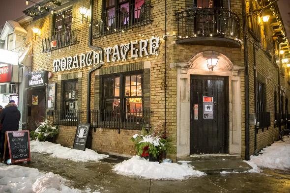 baju monarch tavern toronto