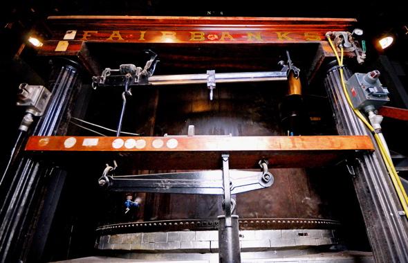 20070528_distilleryscale.jpg