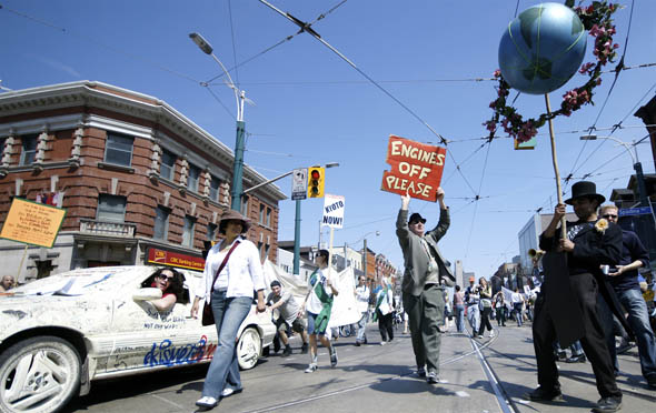 Pedestrian Sundays in Toronto