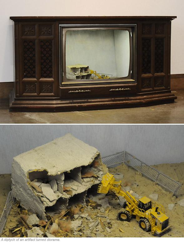 Kobayashi Tirilis Television Diorama