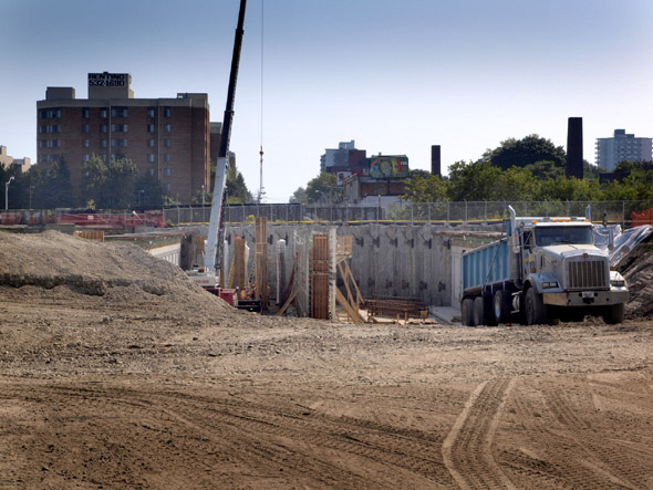 Dufferin jog site construction