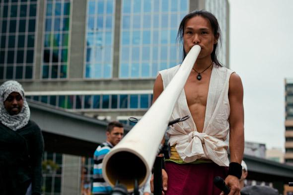 Toronto Street Busker Shibaten with White Didgeridoo