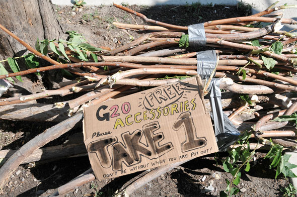 20100627-protest-signs-17.jpg