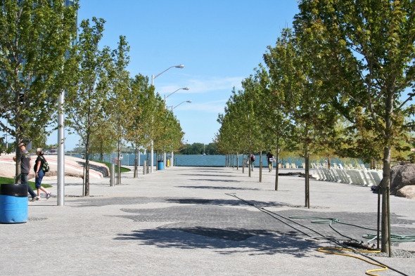 Promenade through Sugar Beach