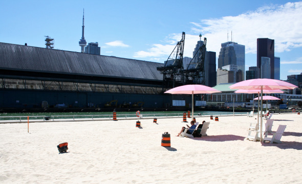 Sugar Beach with Redpath Sugar Refinery and Skyline in background