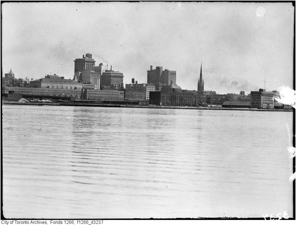 toronto, 1920s, sunnyside, cabbagetown, casa loma, union station, suburban growth
