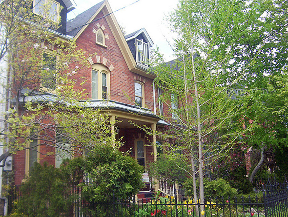 Toronto, Cabbagetown, Don Vale, Victorian architecture, gentrification, urban renewal, 2009