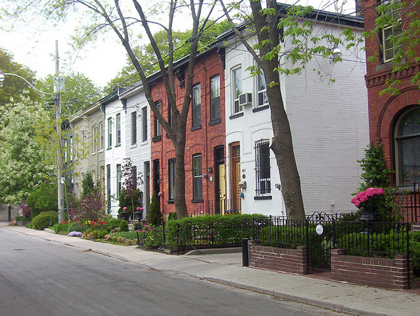 Toronto, Cabbagetown, Don Vale, Laurier Avenue, Victorian architecture, gentrification, urban renewal, 2009