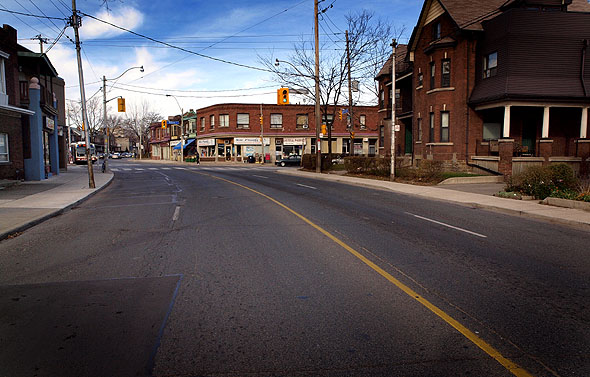 Wallace and Lansdowne looking north 2010