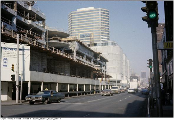 Toronto, Eaton Centre, Eaton's Timothy Eaton. Co. Ltd.