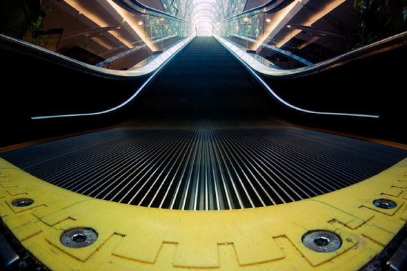 2011125-fisheye_escalator.jpg
