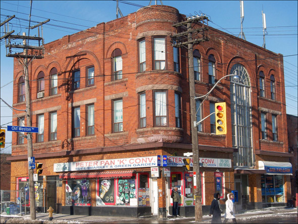 Hotels Near Roncesvalles Toronto