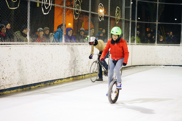 2011214-ice-race-unicycle.jpg