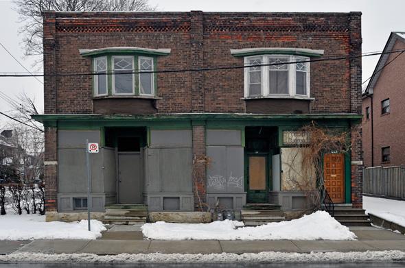 2011228-GearyBoardedHouses.jpg
