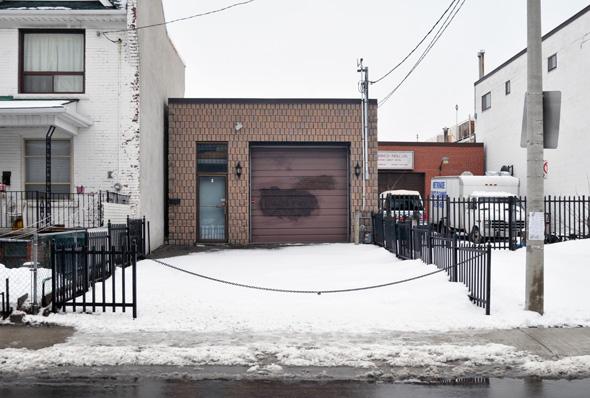 2011229-GearyOddHouse.jpg