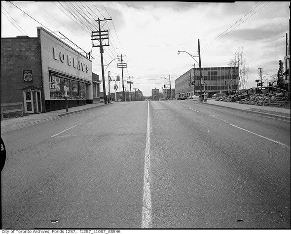 2011421-loblaws-bathurst-glencairn-1950s-f1257_s1057_it5546.jpg