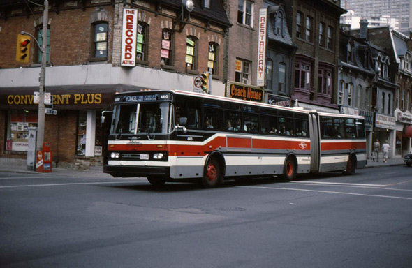 2011513-TTC-articulated-320-yonge.jpg