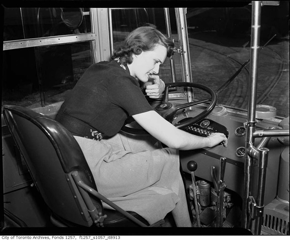 2011513-bus-female-trainee-1940s.jpg