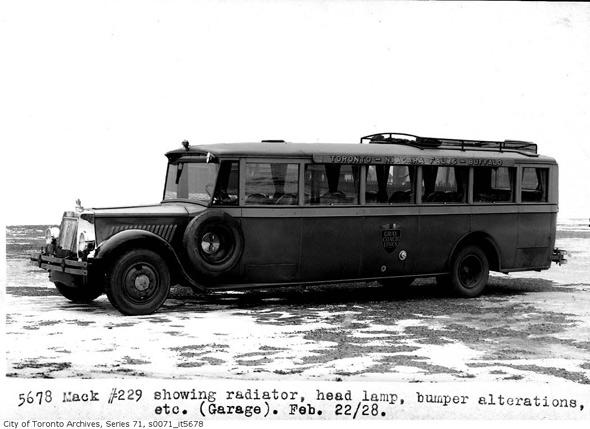 2011513-mack-bus-229-1928.jpg