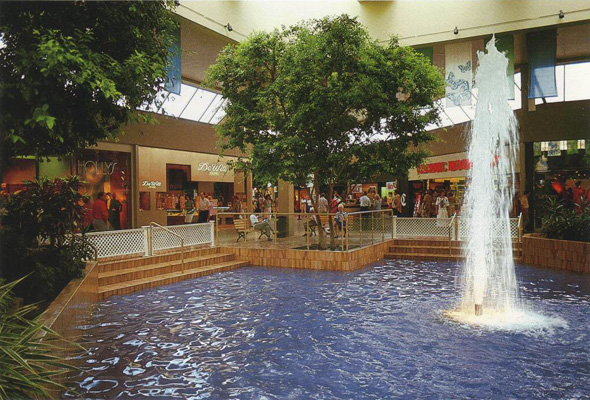 Don Mills Shopping Centre