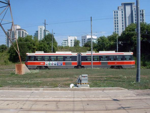 2011527-ALRV-TorontoTram3-2000s.jpg