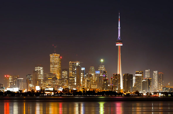 Want to see the time in Toronto, Ontario, Canada compared with your home? Choose a date and time then click