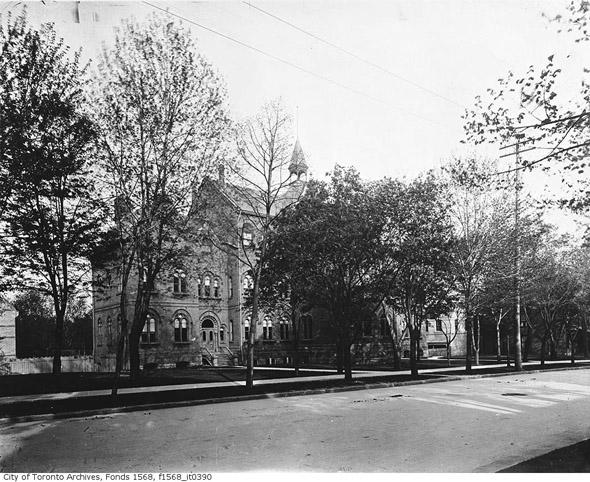 201156-Jarvis-Collegiate-1900s.jpg