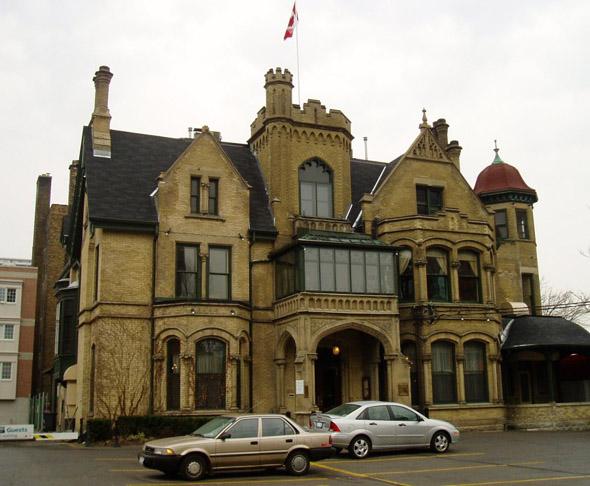 201156-Jarvis-Euclid-Hall-Keg_Mansion.jpg
